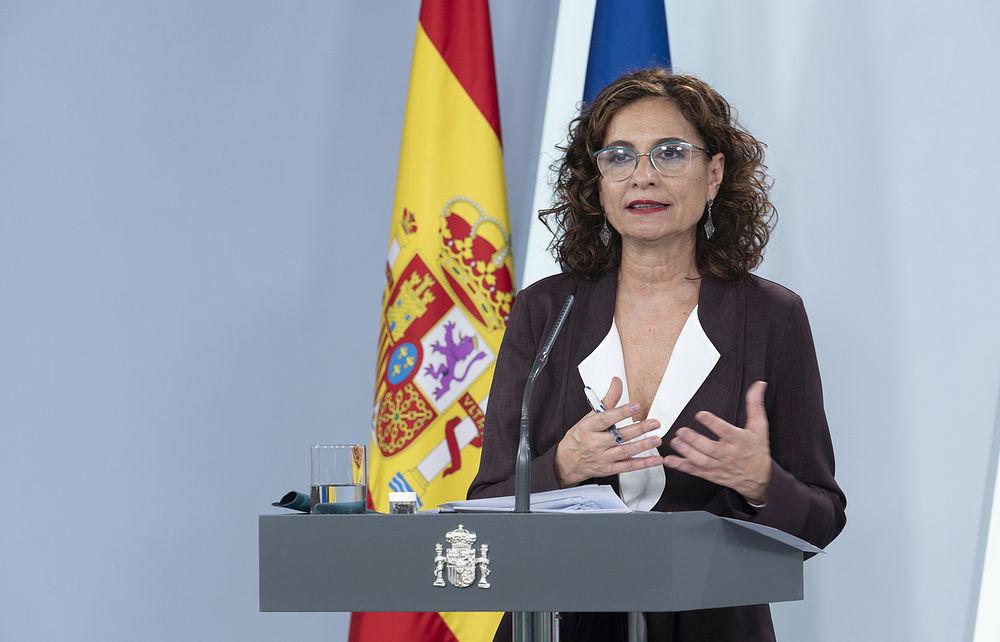 La ministra de Hacienda y portavoz del Gobierno, María Jesús Montero, durante su intervención en la rueda de prensa posterior al Consejo de Ministros. Pool Moncloa/Borja Puig de la Bellacasa