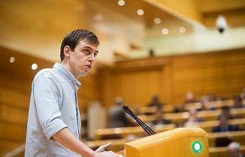 Ferran Martínez, senador de Unidos Podemos por la Comunitat Valenciana. Foto: Irene Lingua