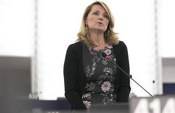 La eurodiputada del Partido Popular, Rosa Estaràs, durante el Pleno del Parlamento Europeo.