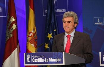 Leandro Esteban informa del Consejo de Gobierno. Foto: JCCM.