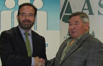 CAJAMAR y ASAJA Albacete firman un acuerdo de colaboración comercial y financiero con condiciones ventajosas para los socios de ASAJA