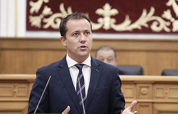 Velázquez, en el Pleno de las Cortes regionales.