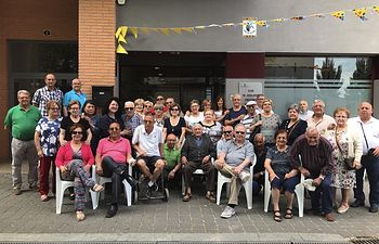 María Gil asiste a la chocolatada organizada por la Asociación de Mayores del barrio Polígono San Antón