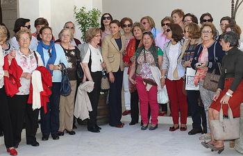La presidenta Cospedal recibe a representantes de Mujeres en Igualdad de Talavera II. Foto: JCCM.