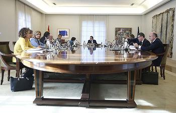 El presidente del Gobierno, Mariano Rajoy, preside la reunión del Consejo de Ministros