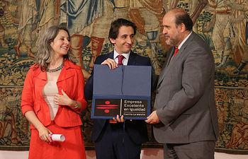 Aguas de Albacete recoge el Distintivo de Excelencia en Igualdad, Conciliación y Responsabilidad Social Empresarial