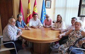 Manuel Serrano pone en valor la trayectoria de Pedro Valenciano al frente de Fadema siguiendo al frente del cargo habiendo cumplido 90 años.