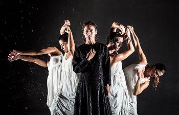 El espectáculo de danza Teresa (Ora el alma), protagonizado por la actriz y bailarina Marta Etura interpretando a Santa Teresa