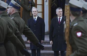 El ministro de Defensa se reúne con su homólogo polaco en Varsovia. Foto: EFE.