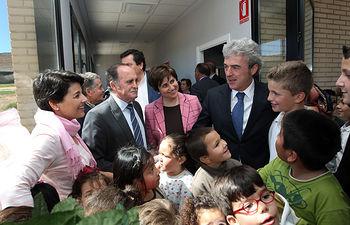 Leandro Esteban durante su visita a las instalaciones del nuevo Consultorio Médico de Cervera de los Montes (Toledo)