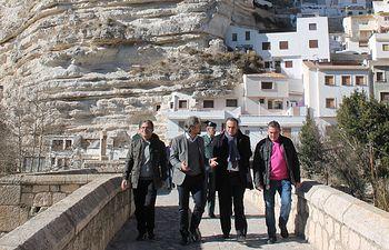José Julián Gregorio ha visitado Alcalá del Júcar.