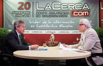 Javier López Martín, presidente de Eurocaja Rural, junto a Manuel Lozano Serna, director del Grupo Multimedia de Comunicación La Cerca
