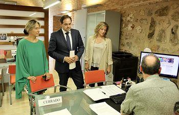 Paco Núñez presenta varias iniciativas del GPP en el Registro de las Cortes Regionales.