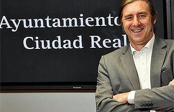 El concejal de Cultura, Pedro Lozano, en rueda de prensa