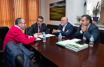 El consejero de Agricultura, Medio Ambiente y Desarrollo Rural, Francisco Martínez Arroyo se reúne con el secretario general de Comisiones Obreras (CCOO) de Castilla-La Mancha, Paco de la Rosa