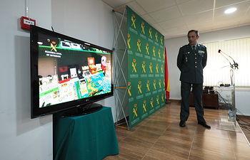 """El teniente coronel jefe de la Comandancia de la Guardia Civil de la provincia, Jesús Manuel Rodrigo, informa de la Operación """"Carcosa""""."""