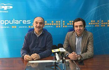 Valentín Bueno, Senador Popular y Presidente del PP de Villarrobledo y Lorenzo Robisco, Diputado regional y Presidente del Consejo Territorial del PP de C-LM.