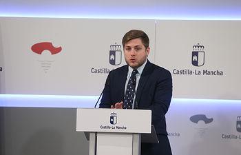 El portavoz del Gobierno regional, Nacho Hernando,ha informado, de los acuerdos del Consejo de Gobierno en el Palacio de Fuensalida. (Fotos: Ignacio López//JCCM)