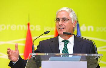 El presidente de Castilla-La Mancha, José María Barreda, en una imagen de archivo, durante su intervención en la entrega de los Premios del concurso Joven Airén 2008, en Pozuelo de Calatrava (Ciudad Real)