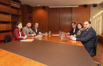 Reunión entre PSOE y ERC en la sede del AMB. Foto: Twitter  PSOE @PSOE