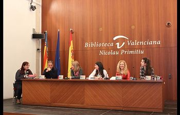 Congreso Novela Valencia (Elena Fuentes, tercera dcha)