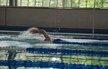 El sabor y olor del agua clorada son los principales inconvenientes de las piscinas cubiertas, según el estudio.