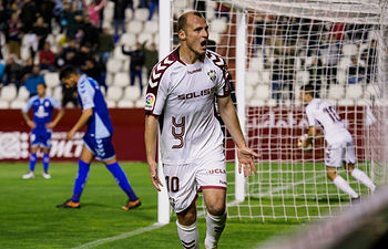 El Albacete Balompié durante el partido contra el CD Tenerife de la Liga 123 el 30 de marzo de 2019. Foto: Manuel Lozano García / La Cerca