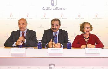 El consejero de Sanidad, Jesús Fernández Sanz, participa, en el salón de Actos de la Consejería, en la inauguración de las X Jornadas de la Fundación Socio-sanitaria de Castilla-La Mancha. (Fotos: José Manuel Álvarez // SESCAM).