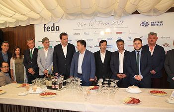 Foto presidente de Eurocaja Rural (4 i.) junto al presidente de FEDA, el alcalde de Albacete y otras autoridades y empresarios