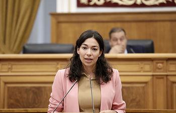Claudia Alonso Pleno de las Cortes de CLM.