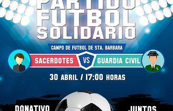 Fútbol solidario entre guardias civiles y sacerdotes.