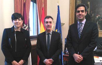 Francisco Tierraseca recibe al nuevo director del Aeropuerto de Albacete, Miguel Palomares González