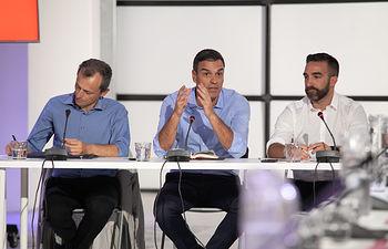 Pedro Sánchez se reúne con representantes del sector de ciencia e innnovación. Foto: Eva Ercolanese.