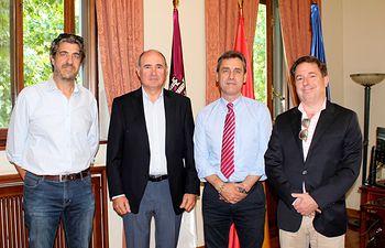 El subdelegado del Gobierno en Albacete recibe a la directiva de la JCRMO