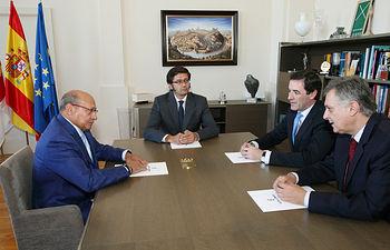Arturo Romaní se reúne con el presidente de Aval CLM 2. Foto: JCCM.