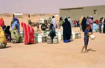 En los campamentos del pueblo saharaui, el agua es un bien escaso.