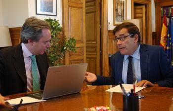 Carlos Cabanas se reúne con el Director General de la Oficina Nacional de Caza. Foto: Ministerio de Agricultura, Alimentación y Medio Ambiente