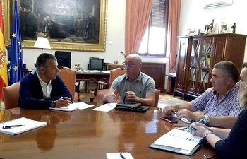Primera reunión de trabajo e institucional entre Subdelegación de Gobierno y la UPA