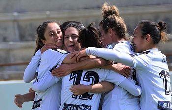 Parte de la primera plantilla del club de futbol femenino Fundación Albacete.