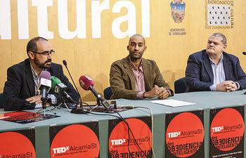 Presentación del TEDxAlcarriaSt 2018, José Carlos Martín, organizador de TEDxAlcarriaSt, José Carracedo-Zorita, en representación de BASF, empresa patrocinadora