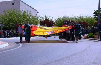 Campo de Criptana (Ciudad Real) rinde homenaje a la Bandera de España y a la Guardia Civil en su 174 aniversario