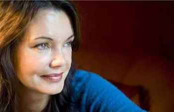 La escritora húngara Krisztina Tóth. Foto: Szilvi Marton/Ellas Crean.