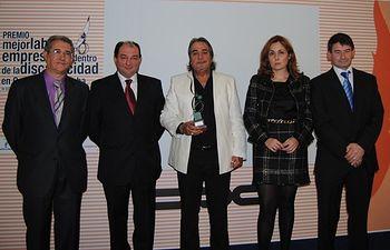 Los galardonados junto al presidente nacional de OPA, Camilo Abiétar, el vicepresidente de OPA CLM, Francisco Marín y el presidente de OPA Albacete, Luís Ramírez.
