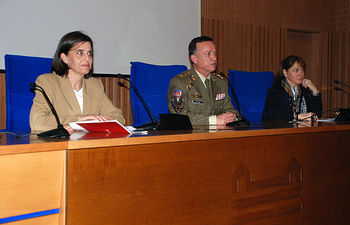 Evangelina Aranda, Antonio Izquierdo y Palma Martínez Burgos durante la inauguración del seminario.