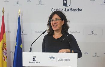 La consejera de Igualdad y portavoz del Gobierno regional, Blanca Fernández, ha comparecido hoy, en rueda de prensa en la Delegación de la Junta de Ciudad Real, para informar sobre los acuerdos del Consejo de Gobierno. (Foto: JCCM).