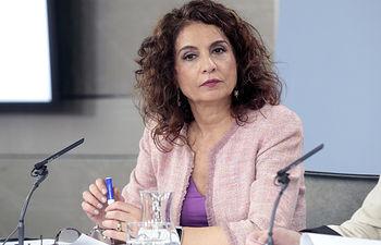 La ministra de Hacienda, María Jesús Montero, durante su intervención en la rueda de prensa posterior al Consejo de Ministros.