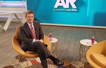 """El ministro de Justicia, Rafael Catalá, durante una entrevista en """"El Programa de Ana Rosa"""" de Telecinco"""