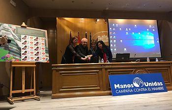 CORREOS y Manos Unidas de Albacete presentan el primer sello solidario