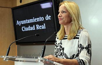 La Concejal de Festejos presentando la Feria y fiestas de Ciudad Real