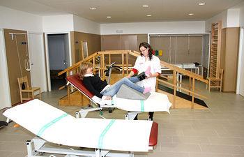 Más de 15.000 pacientes han iniciado tratamiento en las salas de fisioterapia de Atención Primaria de la región en el primer semestre del año.